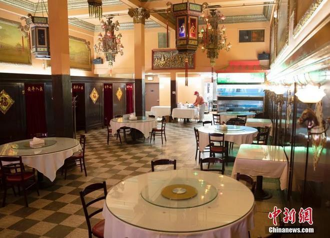 資料圖:美國舊金山唐人街一家餐廳已經為室內就餐做好準備。<a target='_blank' >中新社</a>記者 劉關關 攝