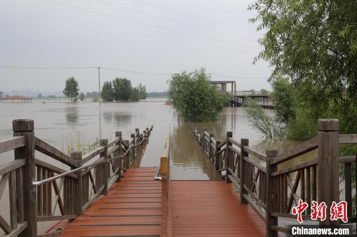 今起强降雨将影响9省份 河南时隔一月再迎暴雨天