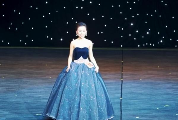 参加澳大利亚中国旅游小姐比赛