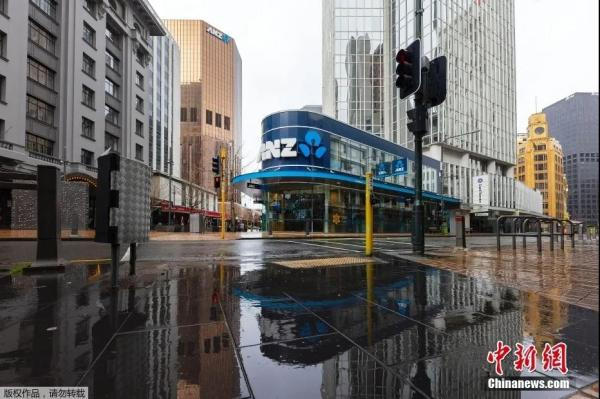 图为新西兰首都惠灵顿,街道上空无一人。来源:中新网