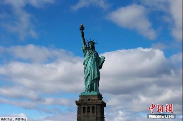 資料圖:位于美國紐約的自由女神像。