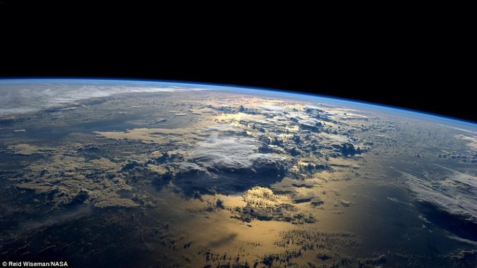 空间站宇航员发布绝美地球表面照片 引网友围观