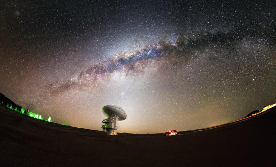 天文台静观暮色与星夜:银河光芒璀璨 雄伟壮观