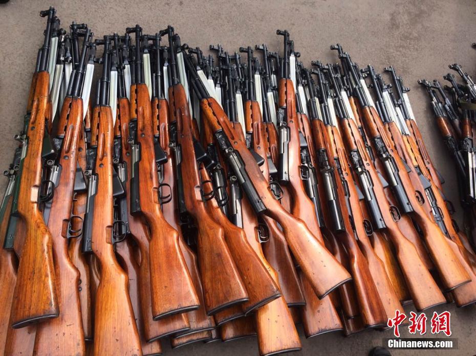 山西太原集中销毁大批枪支