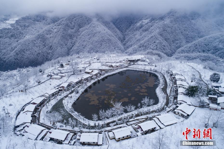 全国多地降2018初雪 最美的雪景都在这里