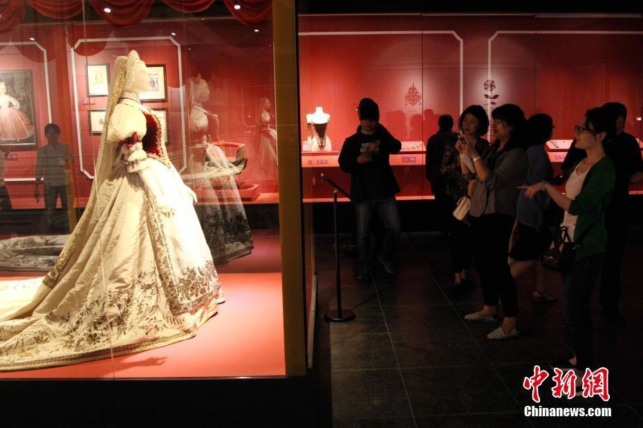 """陕西首次引进匈牙利文物展览 """"茜茜公主与匈牙利""""开展"""