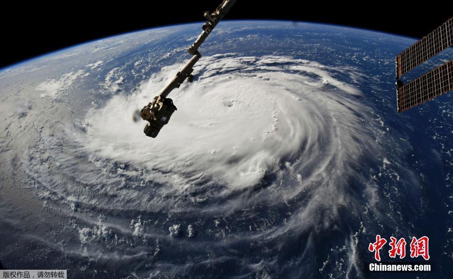 国际空间站拍到飓风移动画面 直扑美国东海岸