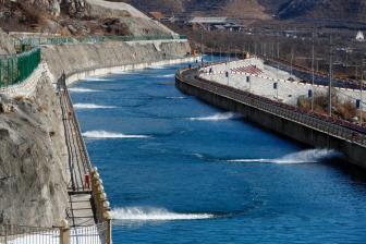 Xi visits resettled residents of China's mega water diversion project