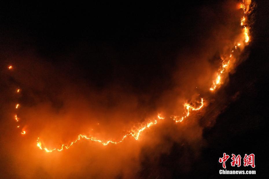 中国佛教圣地五台山突发森林火灾