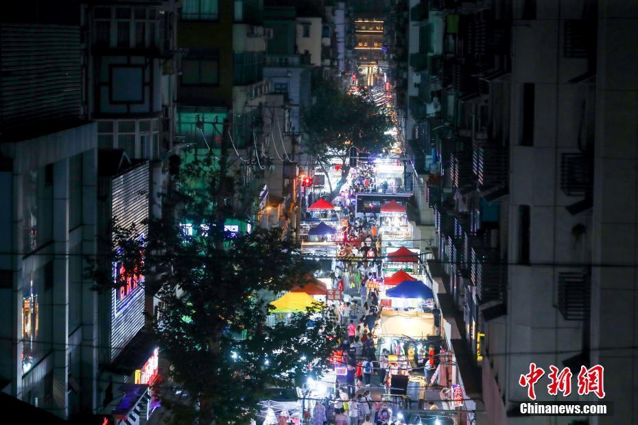 武汉夜市人气渐旺