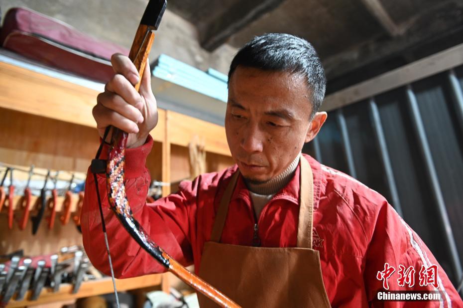 """辽宁沈阳:传统弓箭""""守艺人"""""""