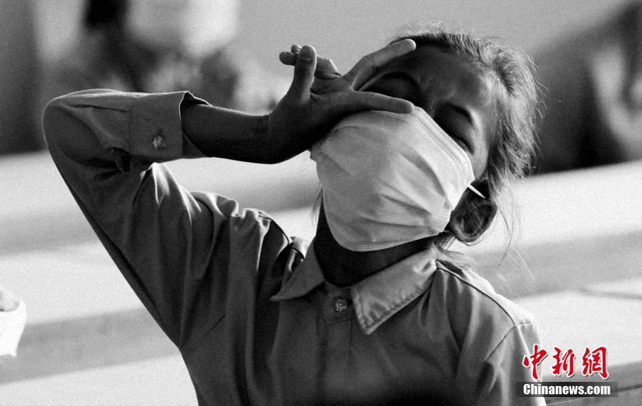 """中國社會組織助力 柬埔寨版""""希望工程""""溫暖孩童"""