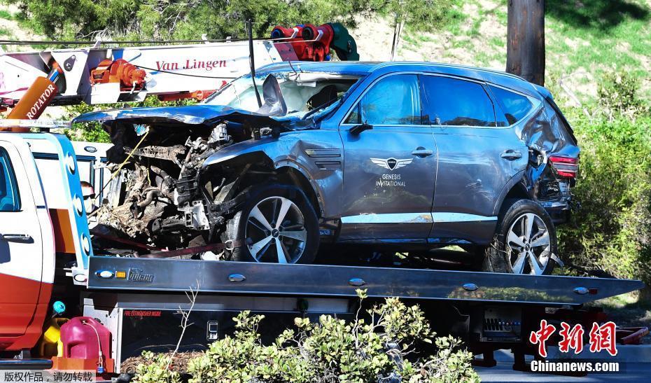 高尔夫名将伍兹遭遇车祸伤势严重 腿部多处受伤