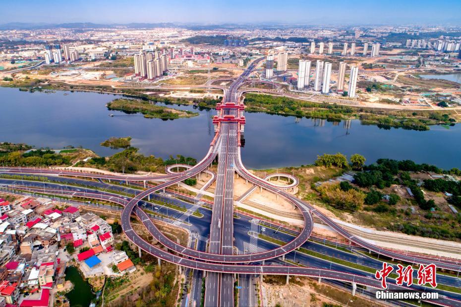 世界跨徑最大廊橋在福建漳州正式通車