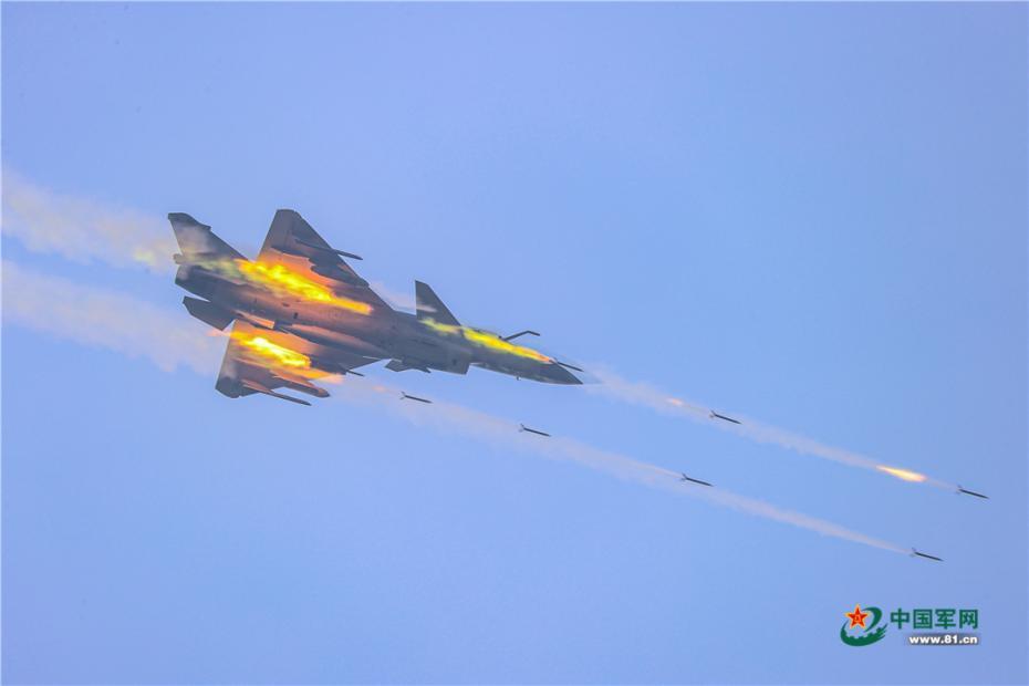 南部战区空军航空兵某旅这样开展实弹打靶训练