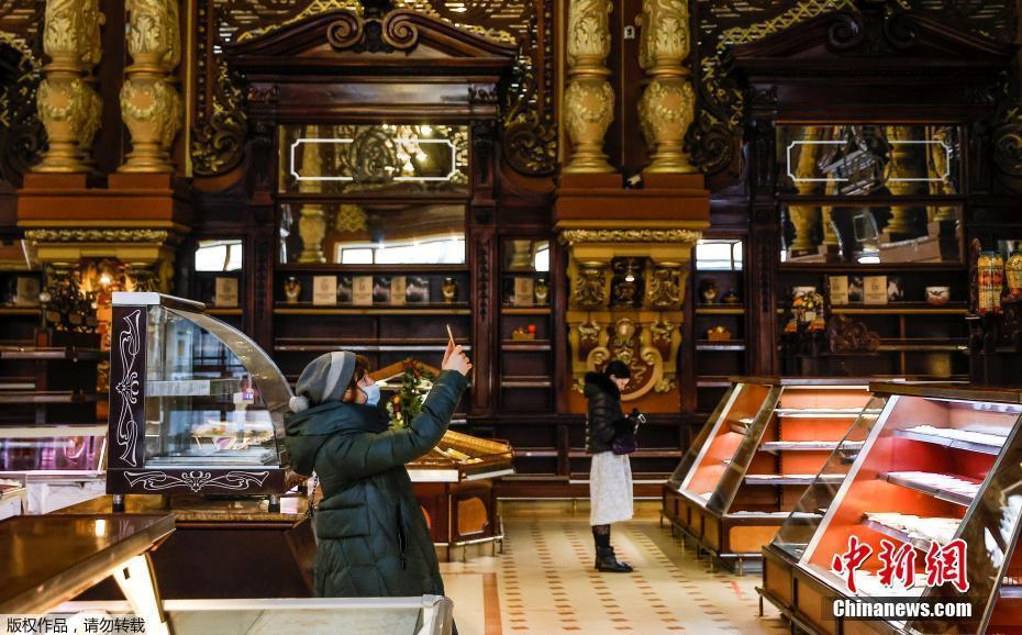 """莫斯科一家""""古董级""""超市将关闭 装潢古典奢华"""