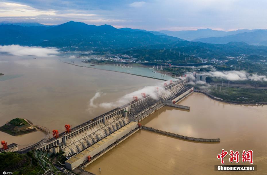 三峡大坝已降至汛限水位迎汛