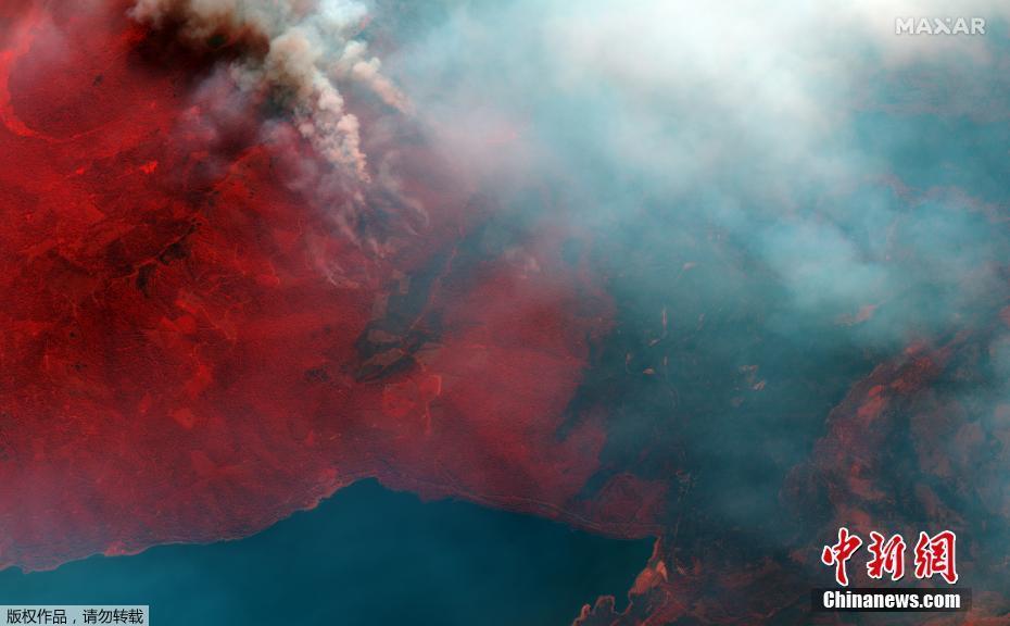 """卫星俯瞰美国加州""""迪克西""""山火 烟尘铺天盖地"""