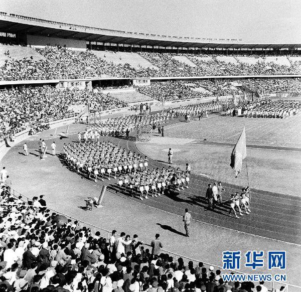 """今日主角丨从62年前的""""全运健儿""""钟南山说起"""
