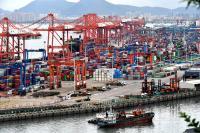 China's commerce minister pledges better service for foreign enterprises