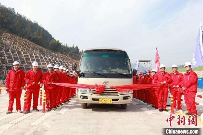 12月10日,巴万高速通车仪式。 王康荣 摄