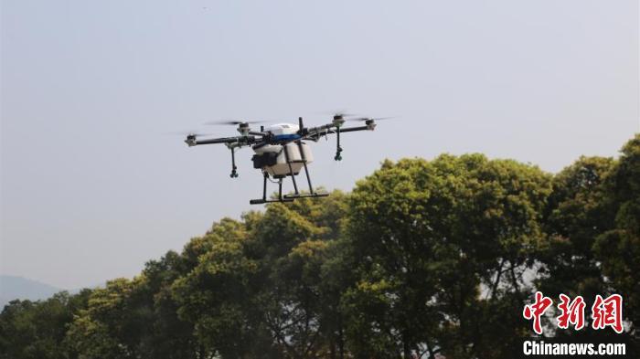 重庆首个5G网联植保无人机试飞成功