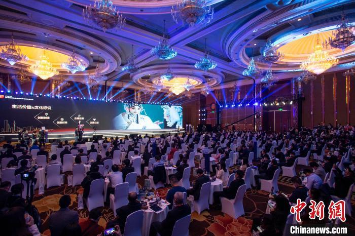 2020成都新经济新场景新产品首场发布会现场。 王磊 摄