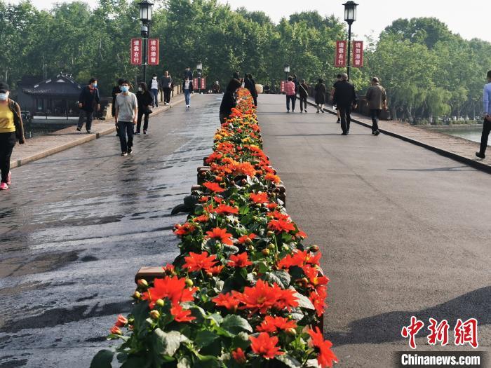 首个黄金周 杭州西湖景区多措并举保证旅游市场平稳有序