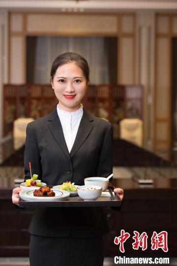 """西湖国宾馆的微笑秘笈:不要""""八颗牙"""" 要发自内心"""