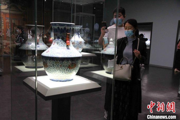明清时期,景德镇成为中国制瓷业的中心、御窑所在地,天下美器尽出于此。 孙婷婷 摄