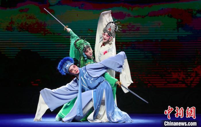 五大剧种同台 四地名家端午在杭州共演《雷锋塔》