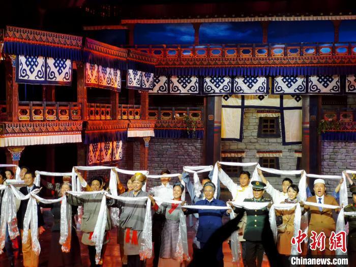 时隔两年再度亮相西藏拉萨 京藏携手重演话剧《八廓街北院》