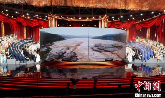 大型交响音乐会《黄河入海》展现九曲黄河气象万千的历史文化积淀。 邱江波 摄