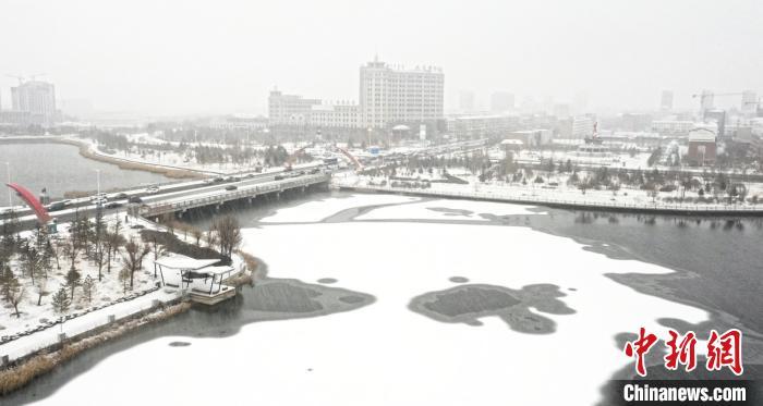 图为内蒙古多地出现降雪。内蒙古气象局供图