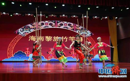 """海南举行""""琼州杯""""国际学生汉语与才艺大赛"""