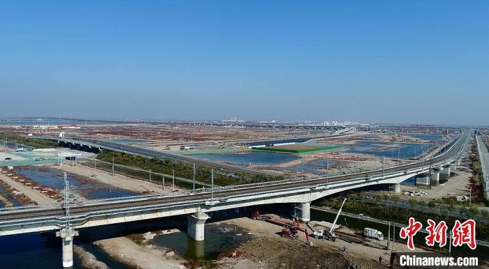 天津南港铁路全面建成通车(图1)