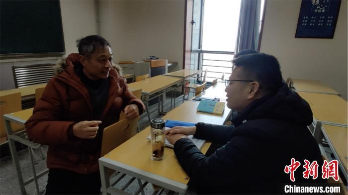 江苏60岁退休高中物理老师,跨专业考研成为兰大20级法律硕士研究生