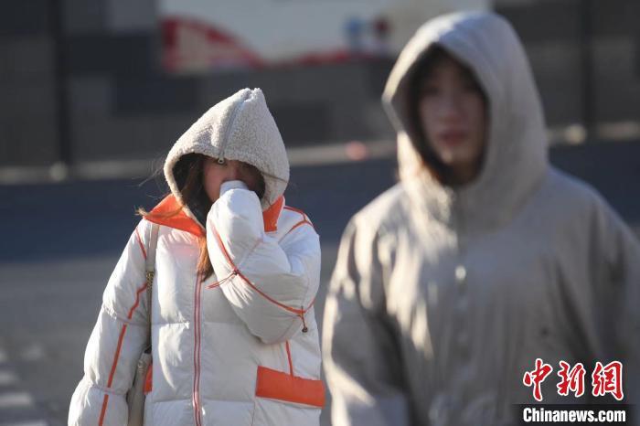 """""""霸王级""""寒潮入晋,山西进入""""速冻""""模式。 武俊杰 摄"""