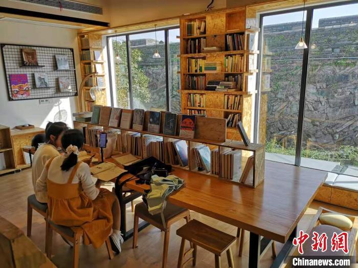 台州府城墙脚下的再望书苑 范宇斌 摄