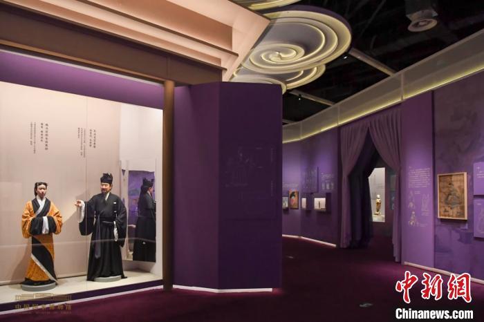 """中国古代服饰文化展立体呈现""""衣冠里的中国"""""""