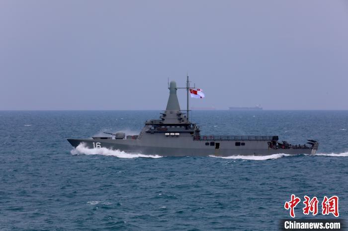 新加坡水师主权号。 梁立虎 摄