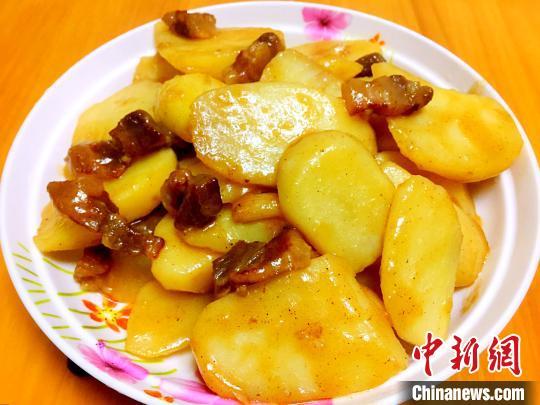 广东侨乡台山万亩马铃薯丰收
