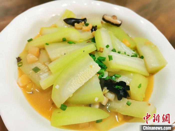 虾米瑶柱煮节瓜 李晓春 摄