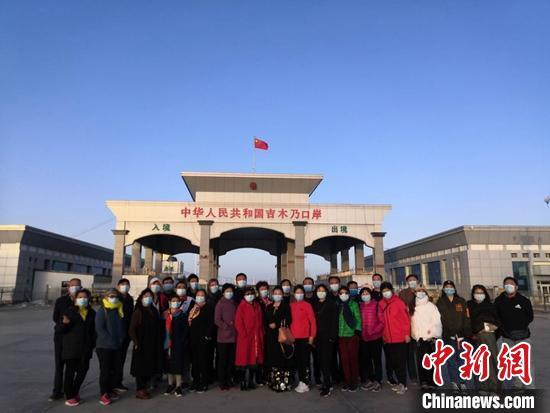 新疆吉木乃县营造优质旅游环境 迎来今...