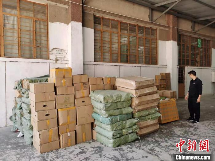 圖為茶葉存放地點。 上海警方供圖 攝
