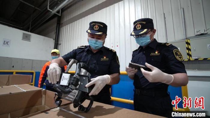 今年前5个月黑龙江出口沃尔沃汽车整车3900辆