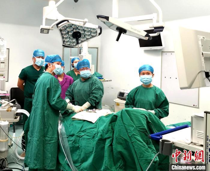 中国疝和腹壁外科顶级专家探讨疝气微创治疗及早诊早治
