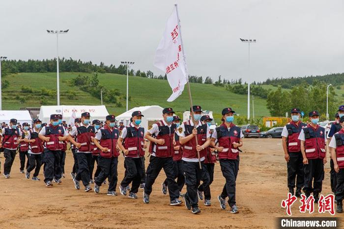 工作人员队伍集结。 吉林省卫健委供图
