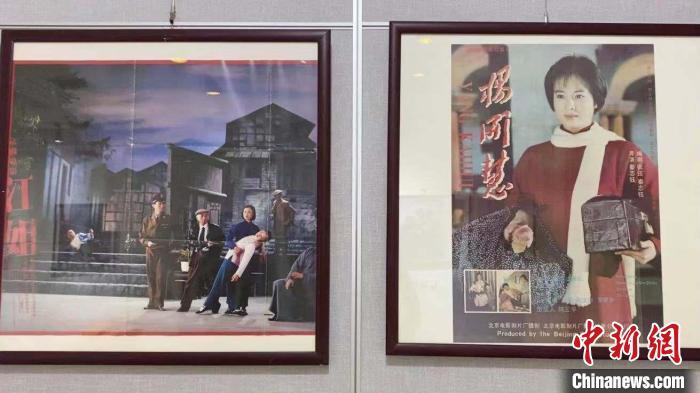 """老电影人收藏电影海报逾6000张见证中国""""大荧幕""""发展"""