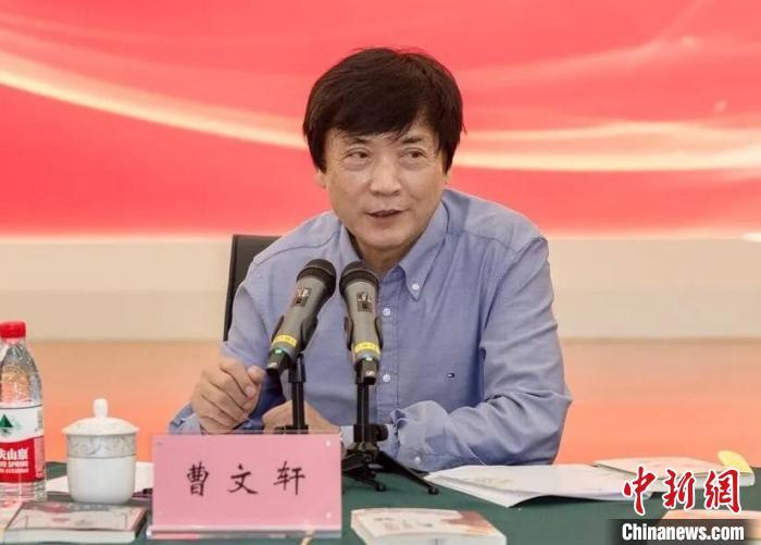 """曹文轩:儿童文学写作要有""""短篇小说意识"""""""